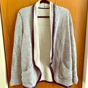 3 Dot blue and white sweater